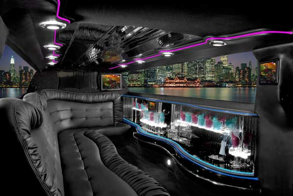 Chrysler 300 Largo limo interior