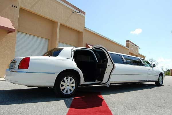 lincoln stretch limo rentals Dunedin